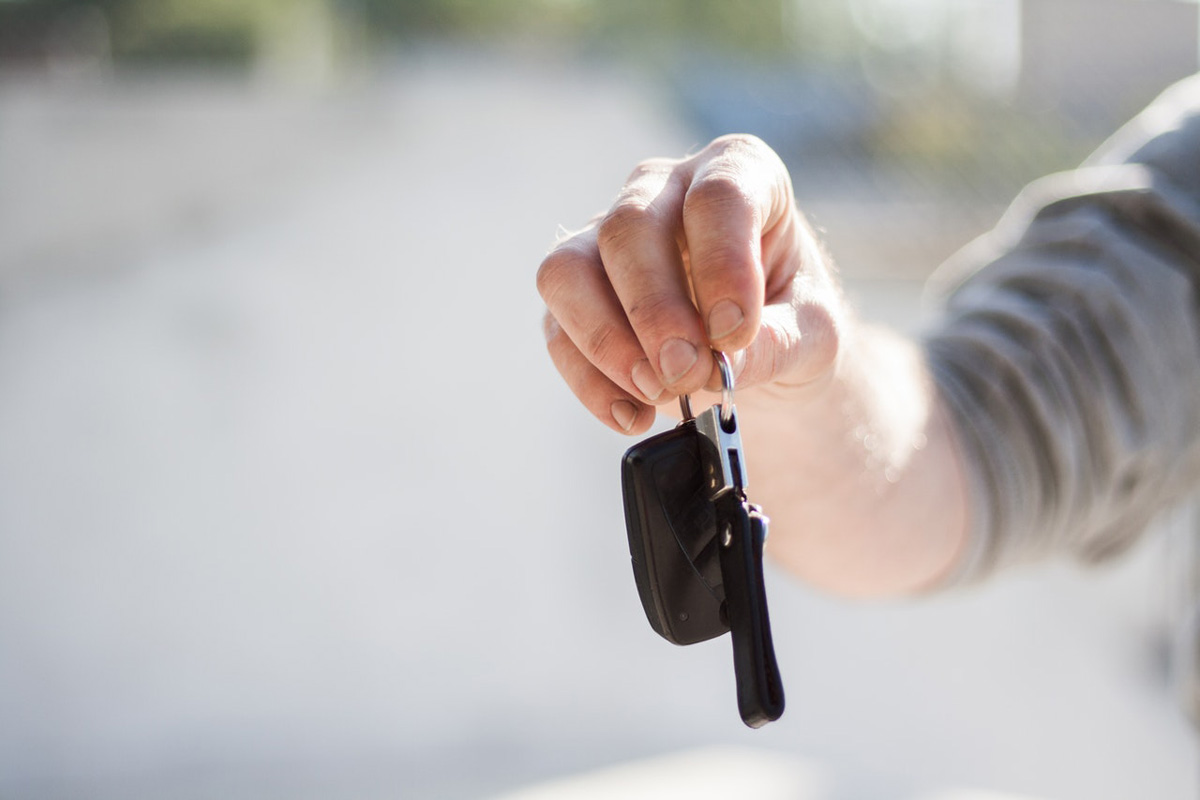Valet-Service - Übergabe des Autoschlüssels